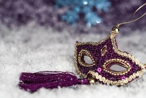 Как выбрать маску к новогоднему маскараду