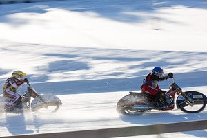 Бенефис морского огурца, Старый Новый год и мотогонки на льду