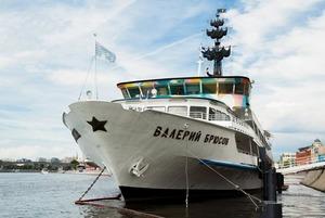 Как провожают пароходы: Резиденты и представители «Брюсова» о том, что будет после закрытия корабля