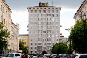 Как устроен Городок Чекистов, что скрывается внутри Главпочтамта и как работается в городской ратуше
