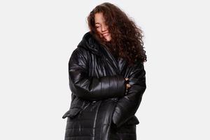 Back to black: Черные балаклава, кимоно и авангардные платья от уральских дизайнеров
