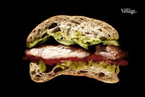 Составные части: Сэндвич с курицей и печёным перцем из «Простых вещей»