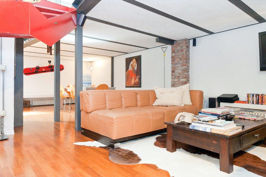 Двухуровневая квартира фотомодели в Милане. Изображение № 5.