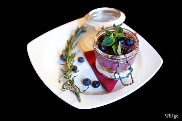 Сезонное меню: 13 новогодних и рождественских десертов в ресторанах Петербурга. Изображение № 3.