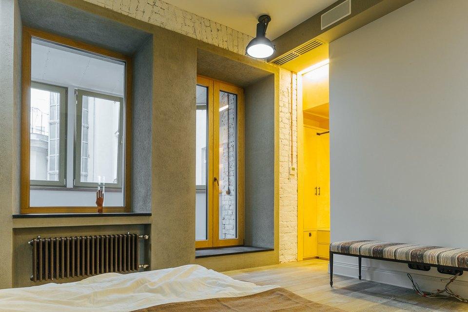 Четырёхкомнатная квартира наОстоженке скрасным холодильником и медными трубами. Изображение № 11.