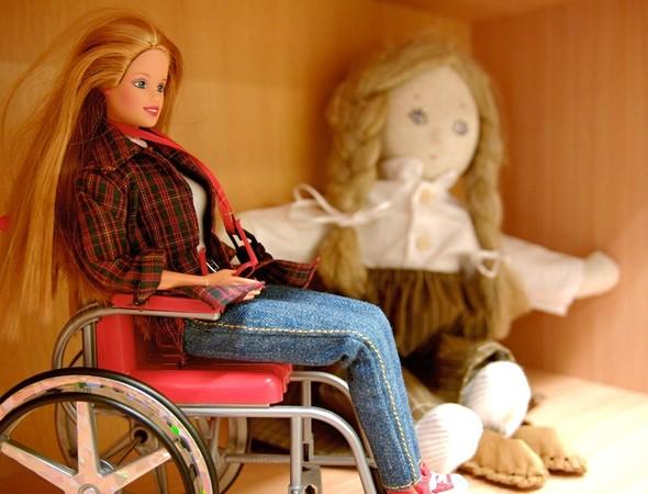 В московских детских садах появятся куклы-инвалиды. Изображение № 1.