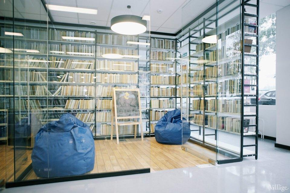 Фото дня: Как выглядит современная библиотека. Изображение № 15.