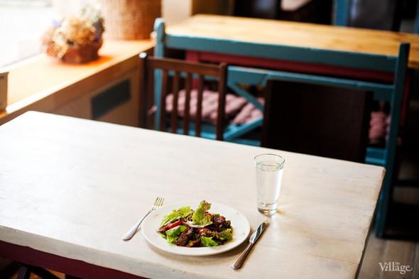 Тёплый салат с говядиной и овощами в азиатском стиле — 240 рублей. Изображение № 24.