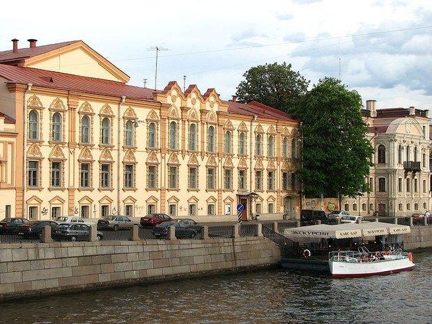 Библиотеке Маяковского достроят стеклянную крышу и подземный этаж. Изображение № 1.