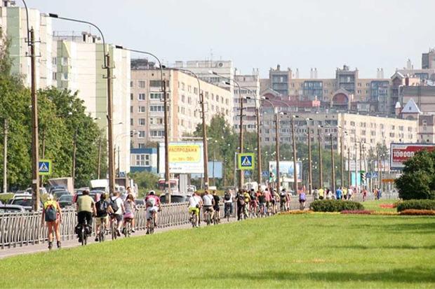 Велодорожку на Луначарского оккупировали 200 велосипедистов. Изображение № 3.