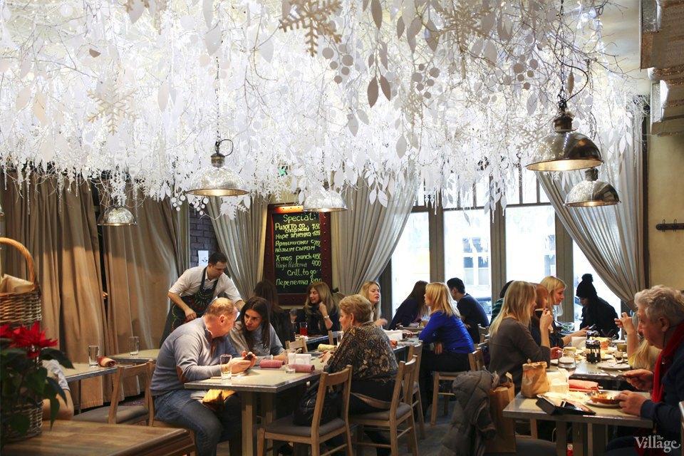 Фоторепортаж: Новогодние интерьеры ресторанов и кафе . Изображение № 9.