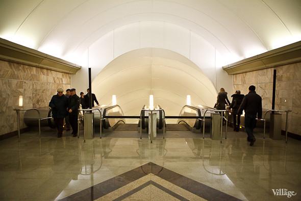 На новой станции метро «Адмиралтейская» уже произошло несколько аварийных остановок эскалатора. Изображение № 15.