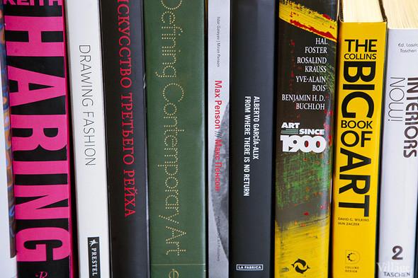 На «Винзаводе» открылся новый книжный магазин «Артбукса». Изображение № 18.