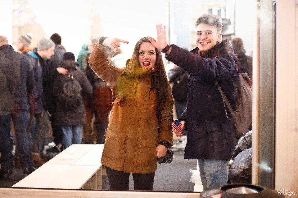 Люди в городе: Первые посетители катка в парке Горького. Изображение № 10.