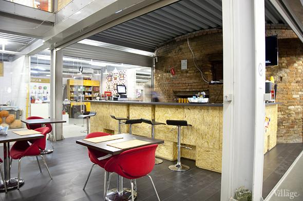 Общая кухня: Кафе-бар Iskra, кафе «Молоко», Genius Bar и Cafe Brocard на «Флаконе». Изображение № 38.