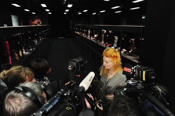 Изображение 29. В «Цветном» пройдет выставка Vivienne Westwood.. Изображение № 5.