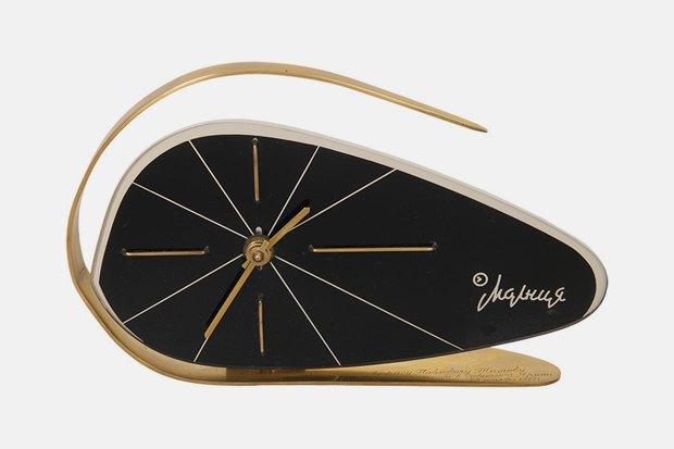 Часы настольные «Молния»; 1966 г. Челябинский часовой завод. Изображение № 12.
