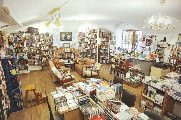 Книжный магазин «Все свободны» распродаст книги издательства AdMarginem. Изображение № 1.