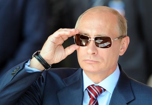 Премьер-министр Владимир Путин в Жуковский тоже прилетел на самолёте. Изображение № 14.