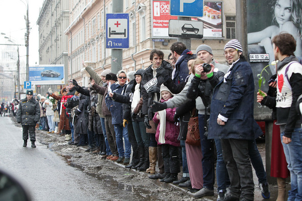 Близкое окружение: Участники акции «Белый круг» о проблемах Москвы. Изображение № 45.