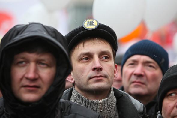 Митинг «За честные выборы» на проспекте Сахарова: Фоторепортаж, пожелания москвичей и соцопрос. Изображение № 23.