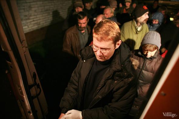 Ночной рейс: Волонтёры и бездомные автобуса «Ночлежка». Изображение № 10.