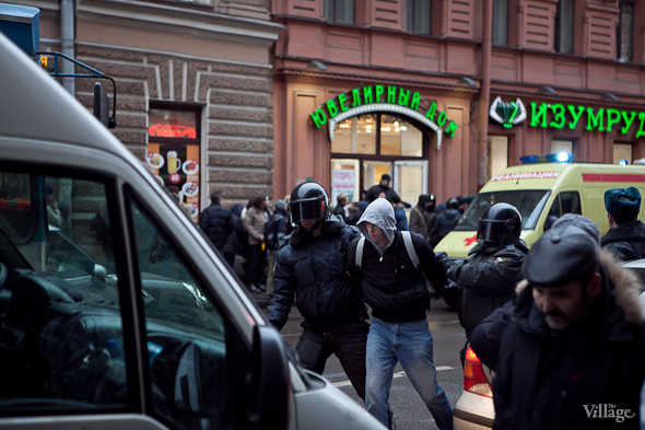 Фоторепортаж: Митинг против фальсификации выборов в Петербурге. Изображение № 9.