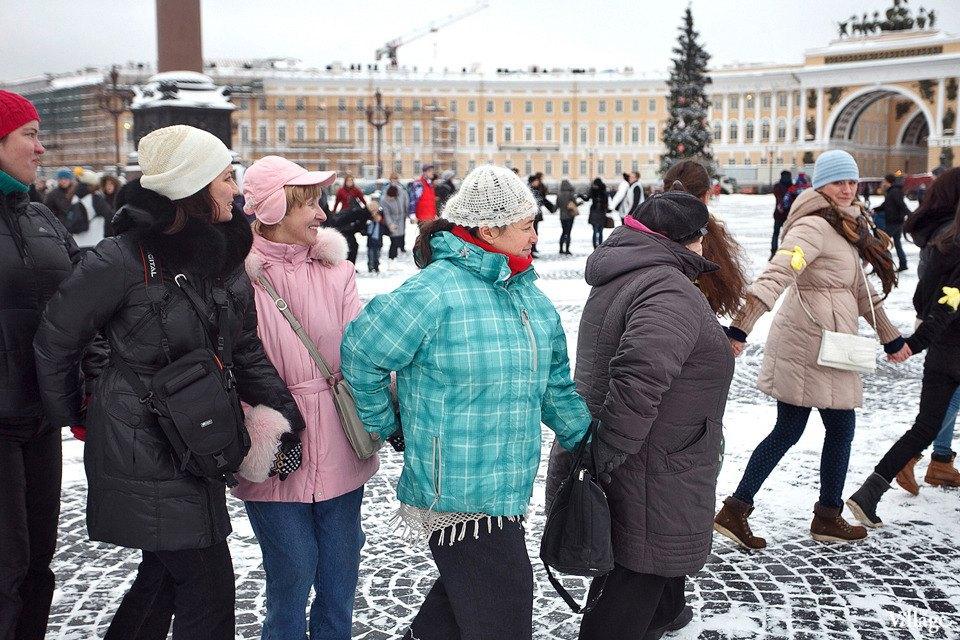 Фоторепортаж: Gangnam Style и зарядка на Дворцовой площади. Изображение № 32.