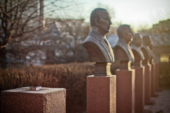 Падение кумиров: В парке «Музеон» демонтировали незаконные памятники. Изображение № 10.