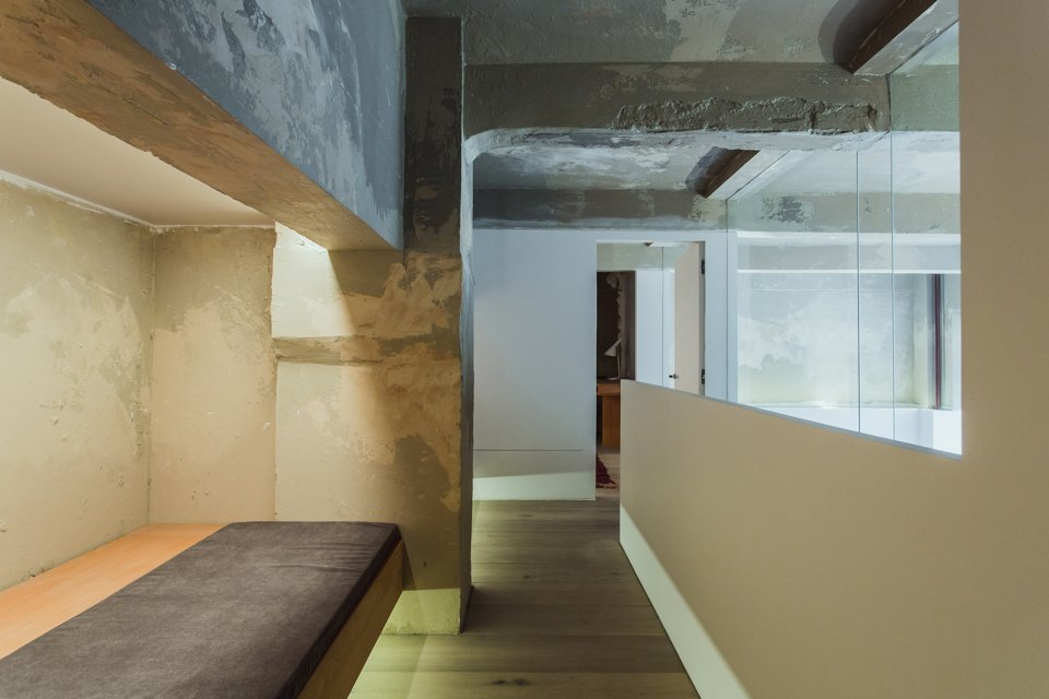Двухэтажный лофт на «Рижской» сдагестанскими коврами. Изображение № 14.