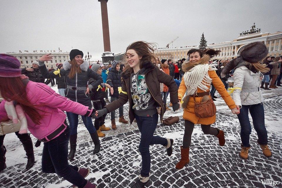 Фоторепортаж: Gangnam Style и зарядка на Дворцовой площади. Изображение № 21.