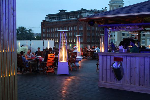 Изображение 9. На «Красном Октябре» открылся бар-ресторан Gipsy.. Изображение № 12.