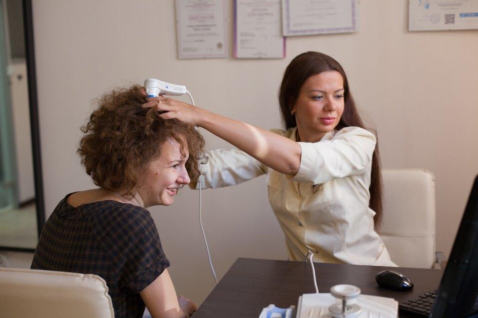 Трихолог Татьяна Цимбаленко— отом, что будет сволосами, если ходить зимой без шапки . Изображение № 1.