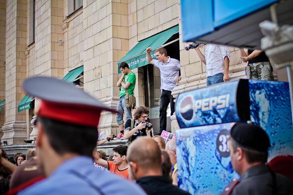 Copwatch: действия полиции на «сидячем» митинге «Стратегии-31» на Триумфальной площади. Изображение № 11.