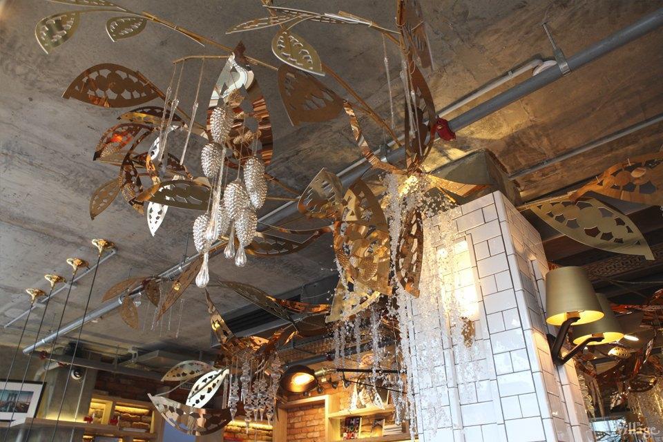 Фоторепортаж: Новогодние интерьеры ресторанов и кафе . Изображение № 16.