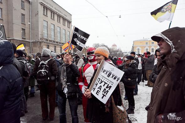 Два санкционированных митинга в Петербурге собрали 2 500 человек. Изображение № 38.