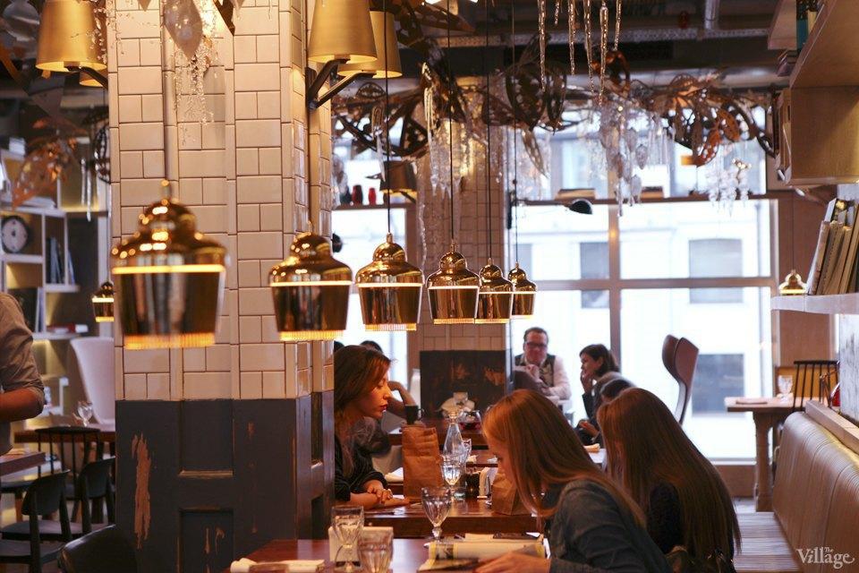 Фоторепортаж: Новогодние интерьеры ресторанов и кафе . Изображение № 15.