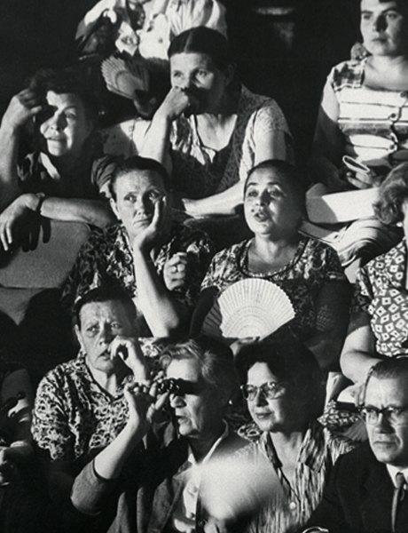 «Энциклопедия ГУМа»: Как вМоскву 1959 года привезли Christian Dior. Изображение № 7.