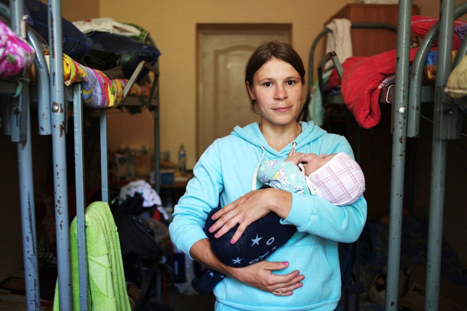 Украинские беженцы  в общежитии вПечатниках. Изображение № 7.