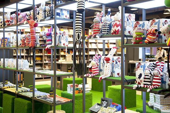 На «Винзаводе» открылся новый книжный магазин «Артбукса». Изображение № 16.
