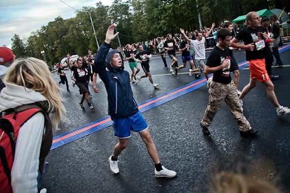 Бег с ними: В Москве прошел марафон Run Moscow. Изображение № 8.