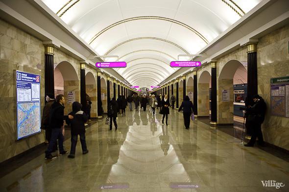 На новой станции метро «Адмиралтейская» уже произошло несколько аварийных остановок эскалатора. Изображение № 18.