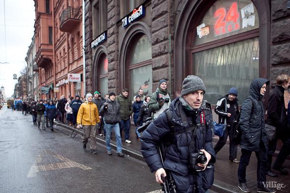 Фоторепортаж: Митинг против фальсификации выборов в Петербурге. Изображение № 11.