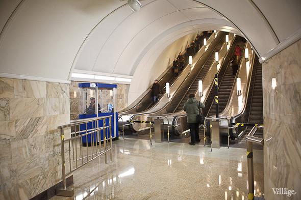 На новой станции метро «Адмиралтейская» уже произошло несколько аварийных остановок эскалатора. Изображение № 29.