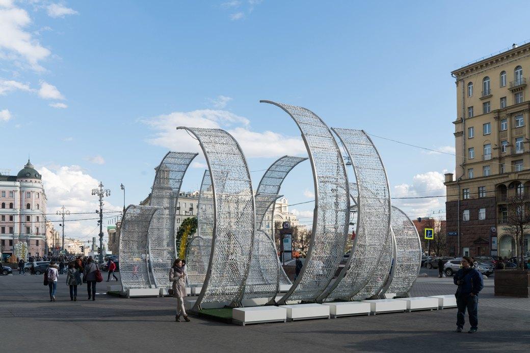 «Больше всего понравился ослик»: Москвичи — остранных объектах нагородских улицах. Изображение № 15.