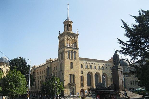 3 прогулочных маршрута по Тбилиси . Изображение № 25.