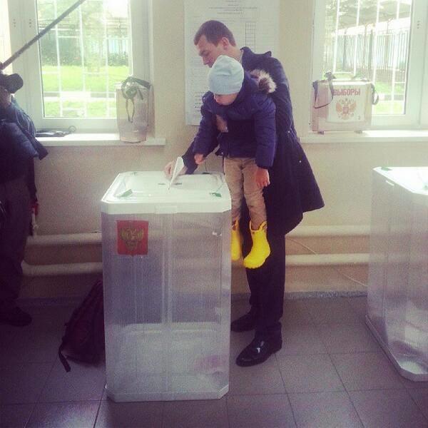Прямая трансляция: День выборов в Москве. Изображение № 44.