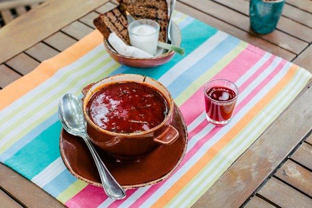 Фуд-корт LavkaLavkа, кафе «Зелёная собака», званые ужины вSaxon+Parole. Изображение № 9.