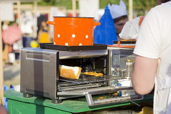 Небольшой гриль, в котором подогревались сэндвичи. Изображение № 11.