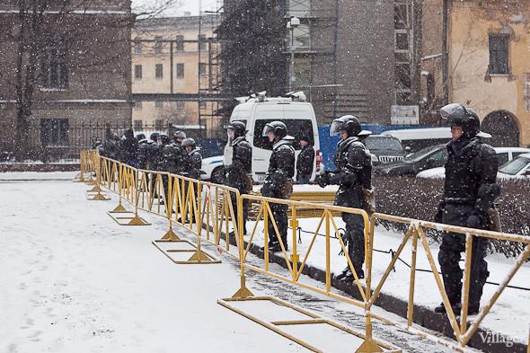 Два санкционированных митинга в Петербурге собрали 2 500 человек. Изображение № 22.